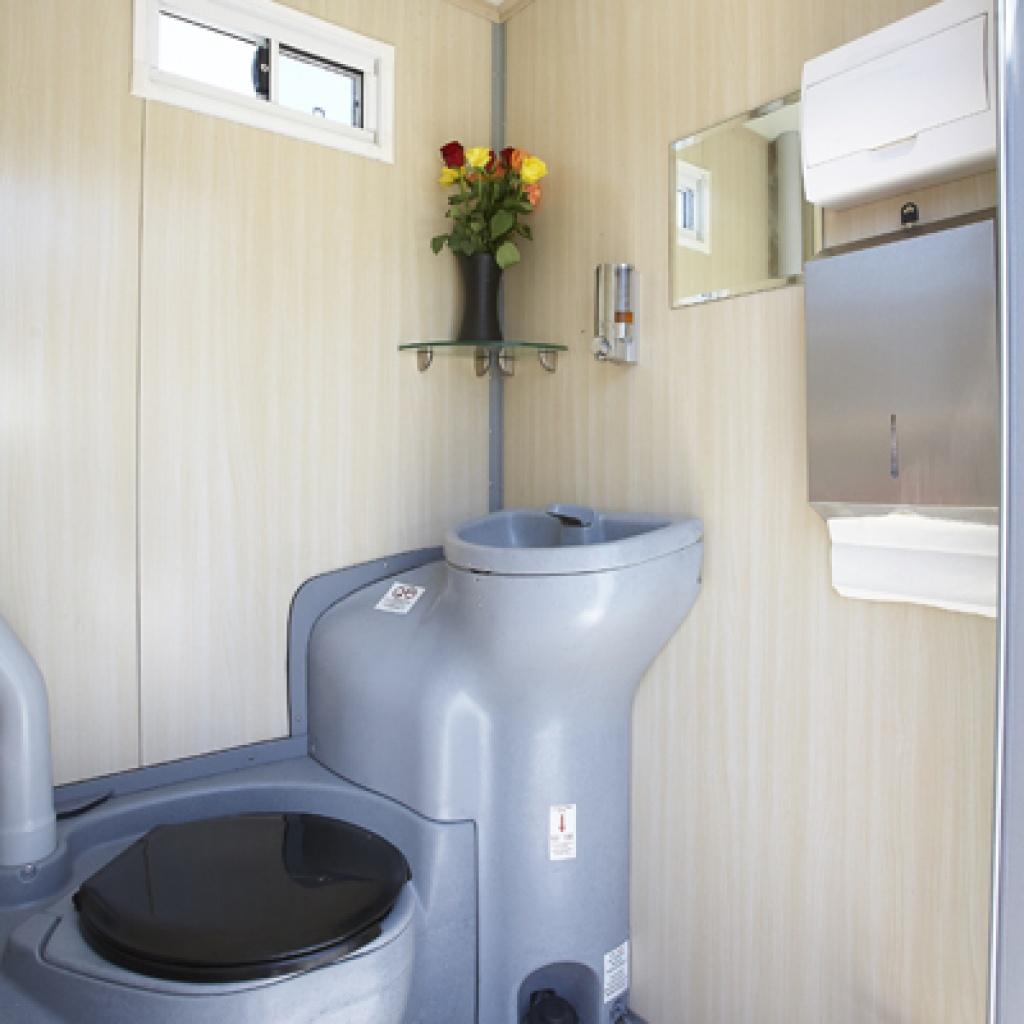 Deluxe Toilet & Shower Combo Hire | Deluxe Restroom Hire